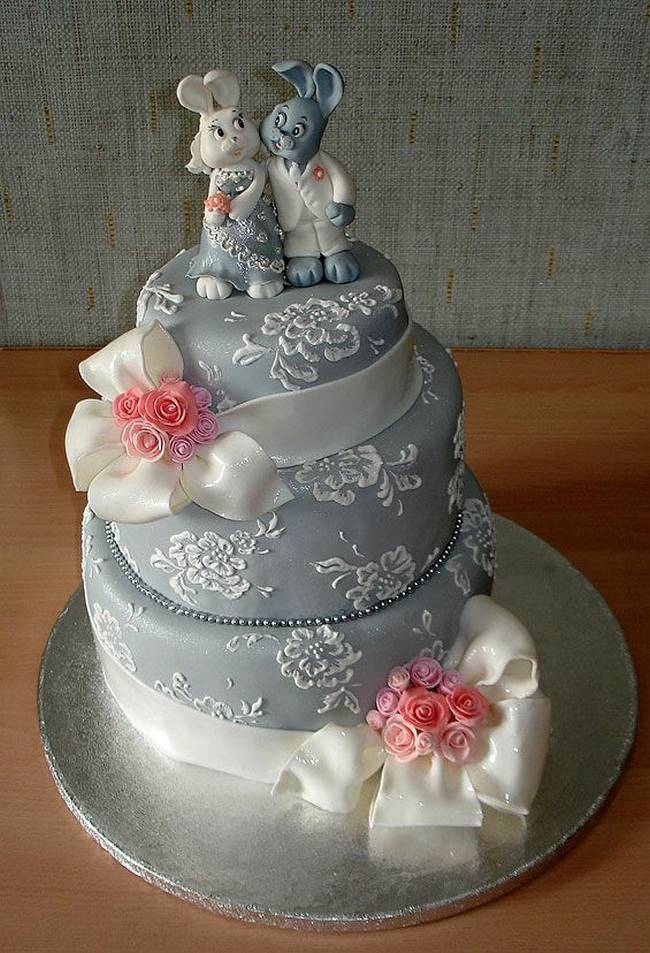 bunnies wedding cake
