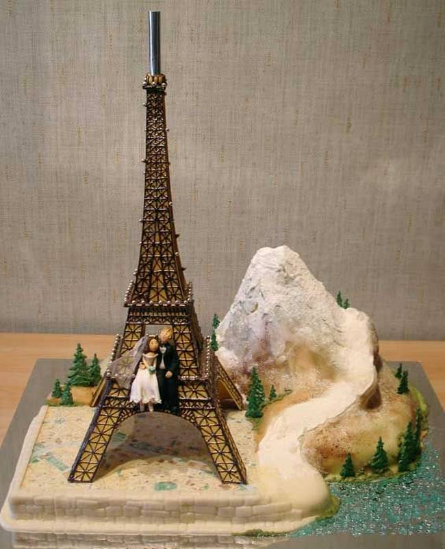 eiffel tower wedding cake