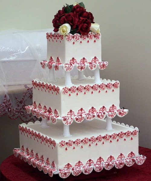 square-wedding-cakes