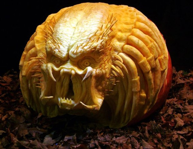 geek-pumpkin-carving